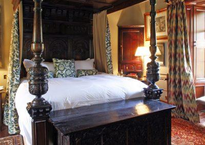 antique-bed